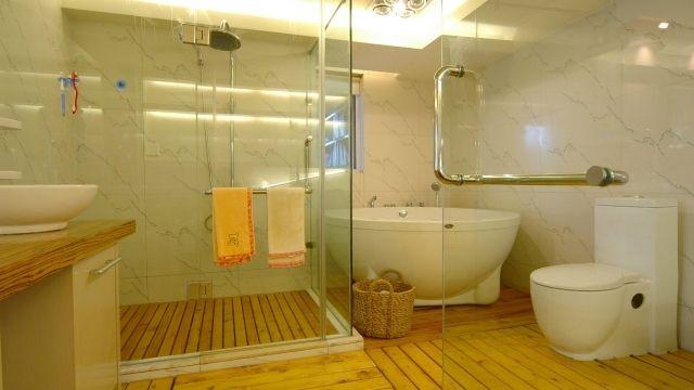 Salle de bains en bois - 30 idées pour un espace tout confort