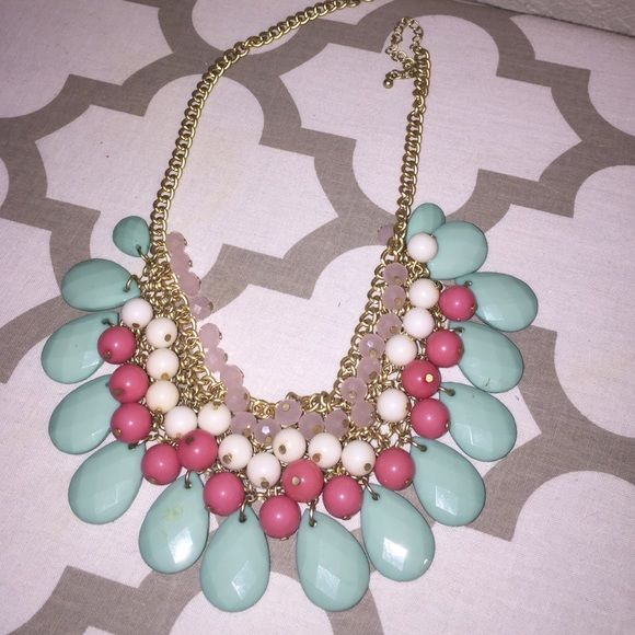 Statement Necklace Super fun and pretty necklace. The colors are just perfect for the Spring!! Francesca's Collections Jewelry Necklaces