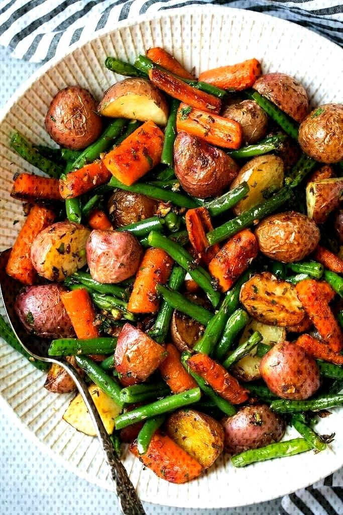 Garlic Herb Roasted Potatoes Carrots and Green Beans Recipe   Yummly - Vegan Side Dishes -