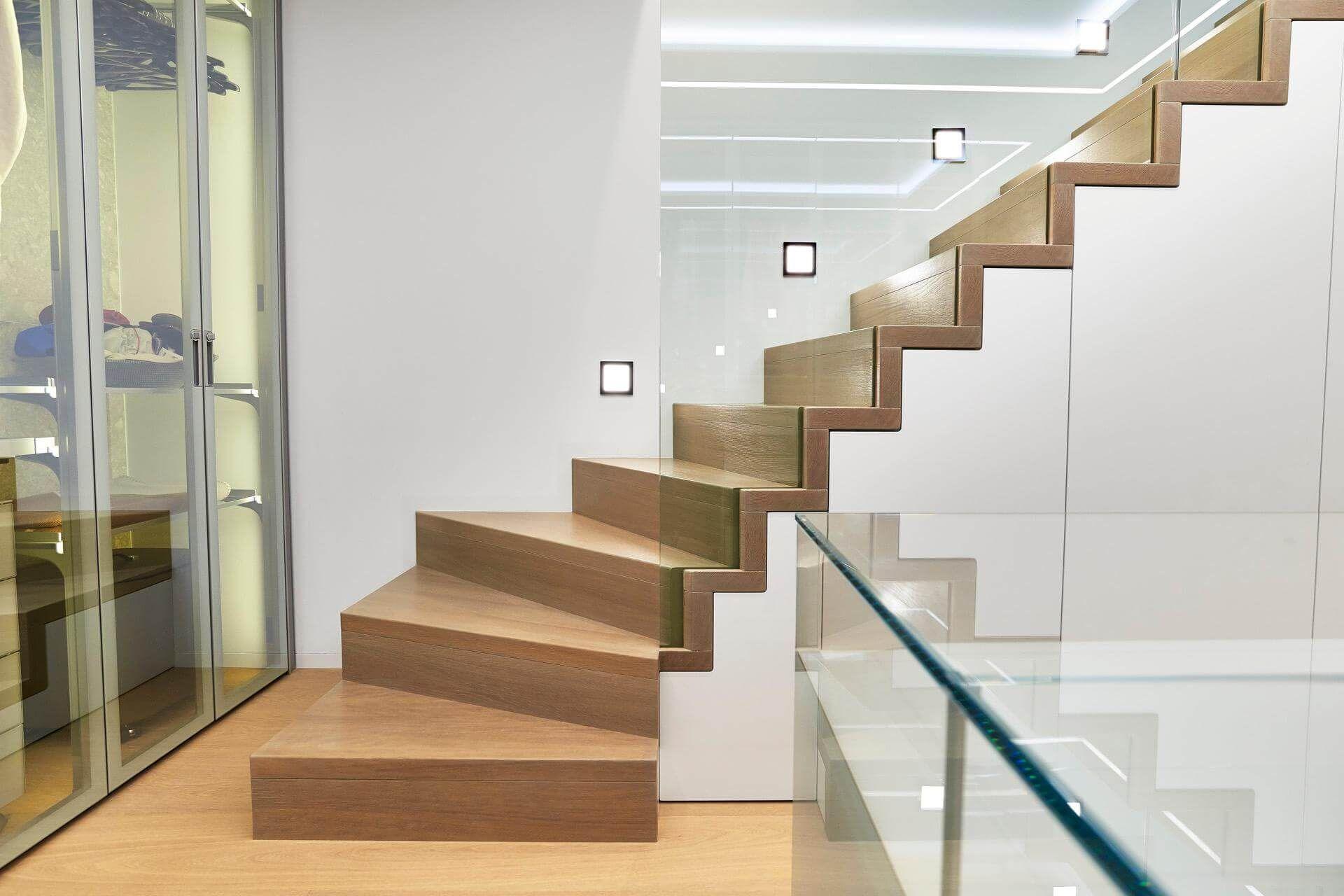 Pin Su Escalier