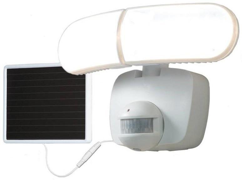 cooper lighting twin head solar powered led floodlight 1000 lumens