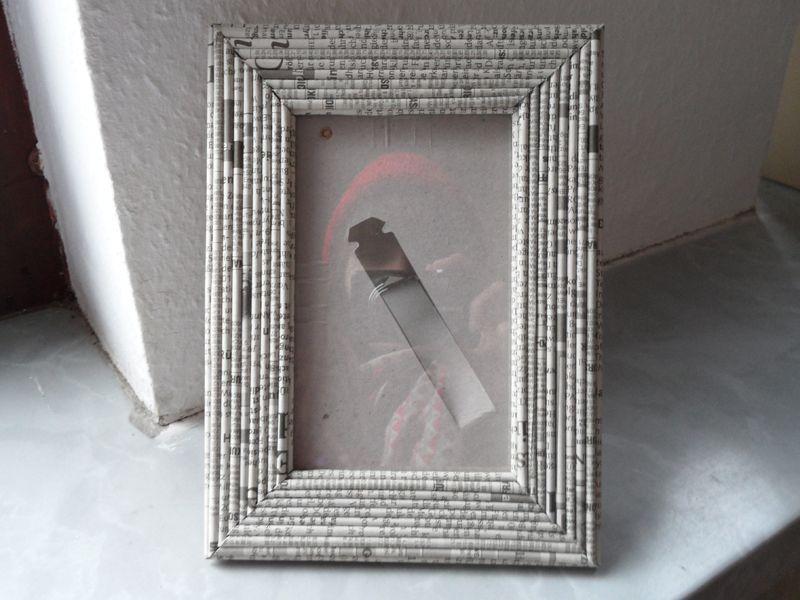 rahmen aus zeitungspapier basteln pinterest. Black Bedroom Furniture Sets. Home Design Ideas