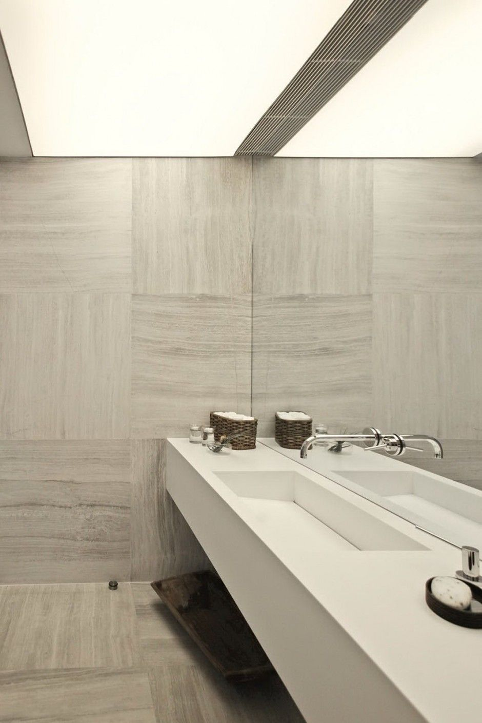 Straight-lay tile with a quarter turn (works with tiles with a ...