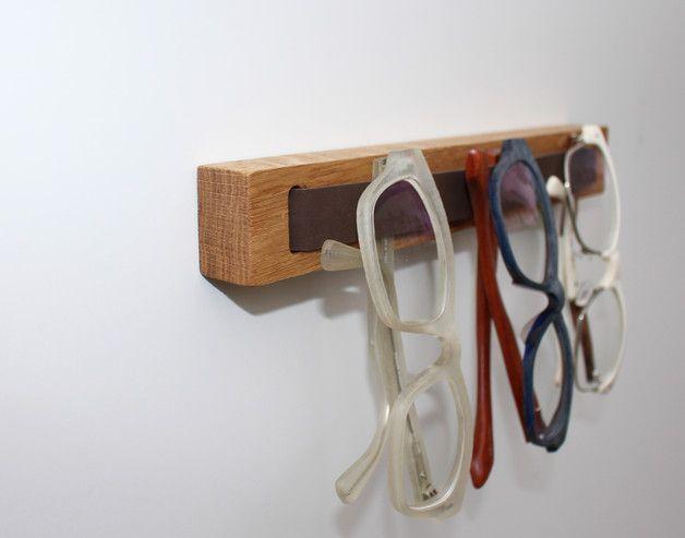 weiteres brillenholz brillenhalter eiche kurz ein designerst ck von talholz bei dawanda. Black Bedroom Furniture Sets. Home Design Ideas