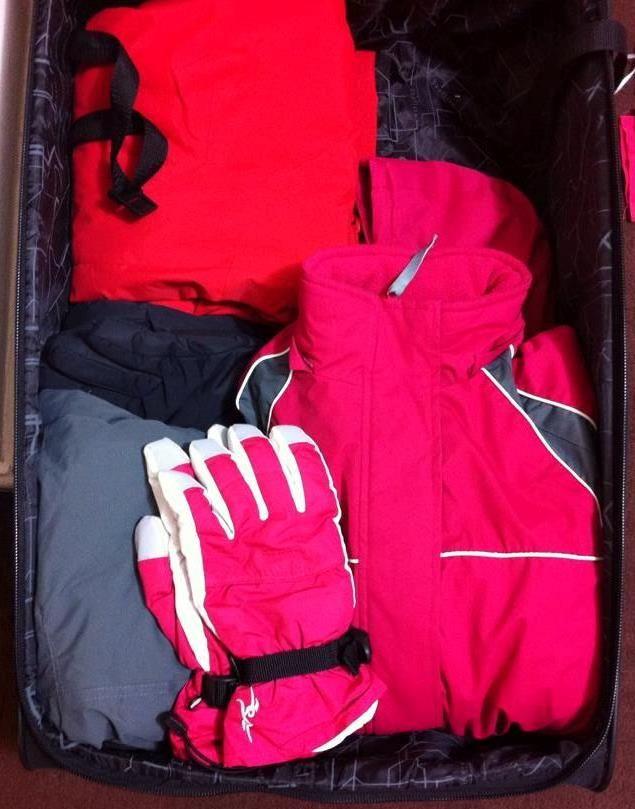 And the packing start taking form... #cantwait #skiing #holidays #frenchalps   E a mala começa a se encher...  #malpossoesperar #férias #ski #alpesfranceses ❄️