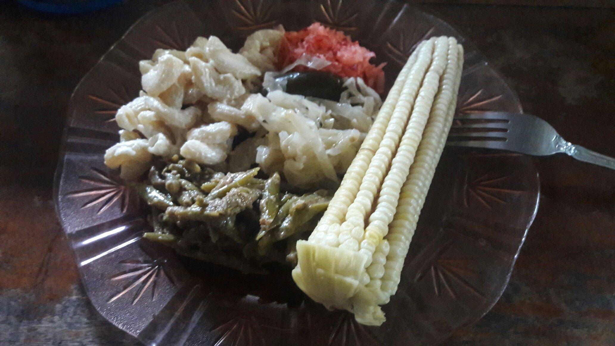Iguaxte y elote cocido,  cocina de Guatemala