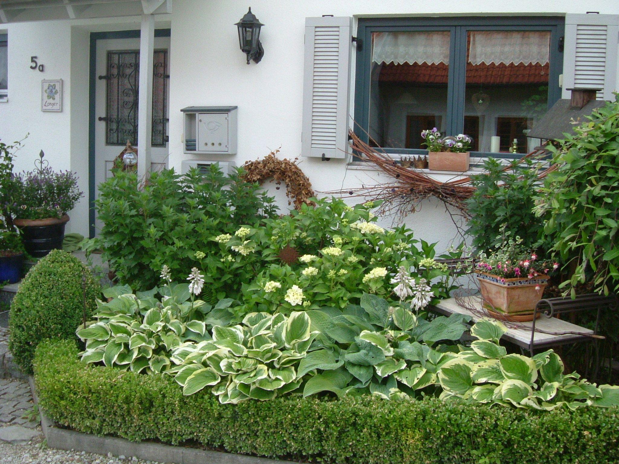 Willkommen Im Vorgarten Vorgarten Garten Ideen Gestaltung Vorgarten Wohnen Und Garten