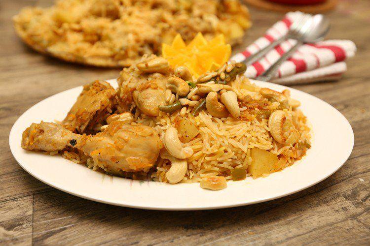 الأرز الكابلي بالبرتقال من طبخات رمضان السعودية وتتكون من الأرز البسمتي والدجاج مع مزيج من برش البرتقال والبهارات المميزة شاهدي الفيديو Food Chicken Meat