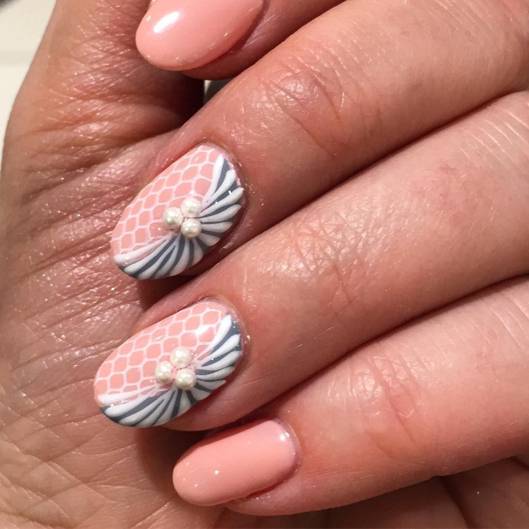 Pink and Blue Peach Nails and Fake Shell Nail Highlights | Nail Art ...