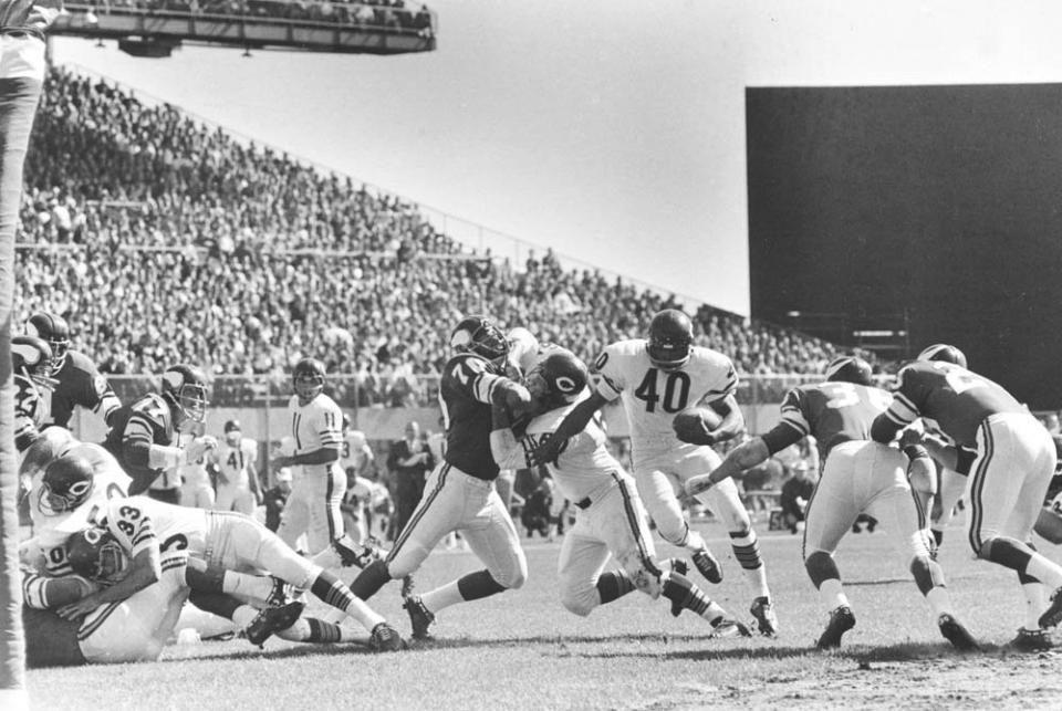 Vikings vs. Bears - Vikes chase Sayers