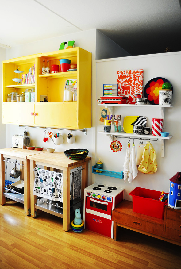 3 Beautiful Handmade Toy Kitchens Decor, Kitchen colors