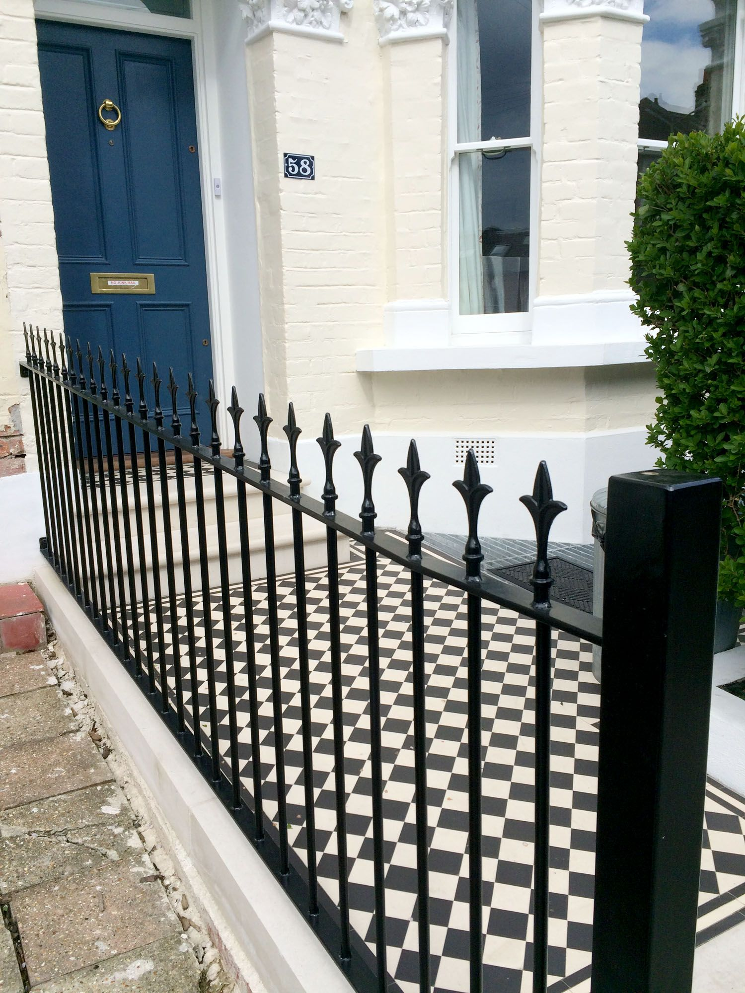 A Traditional Style For A Period Property In This London
