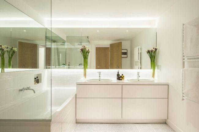 badezimmer gestaltungsideen bilder moderne möbel weiß wandspiegel ...