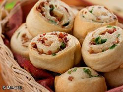 Bacon Pinwheel Rolls - We've the secret to creating these 4-ingredient appetizers that you can whip up in just 20 minutes!