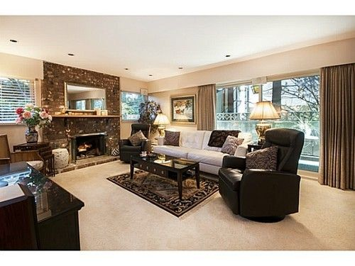Lower Lonsdale Condo for sale:  2 bedroom 844 sq.ft. (Listed 2015-03-11)