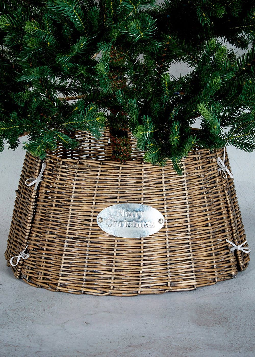 Wicker Festive Christmas Tree Skirt With Merry Slogan Perfect For Adding An Extra Touch To Your Dimensions 48cm X 26cm