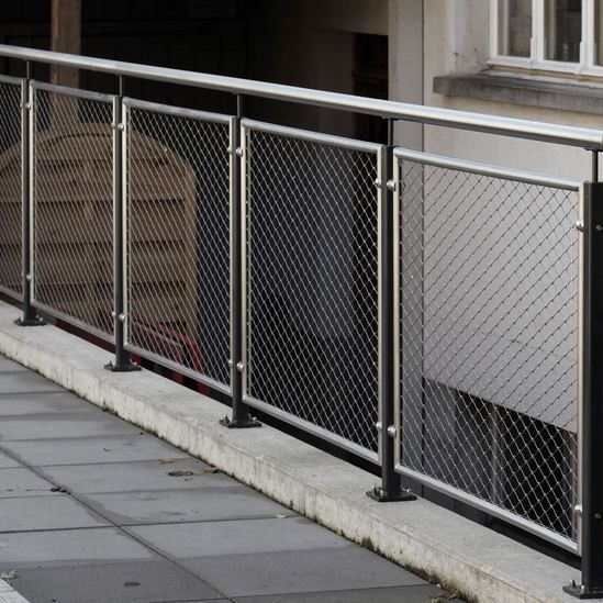 Mesh Balustrades Google Search Diy และงานฝีมือ Fence