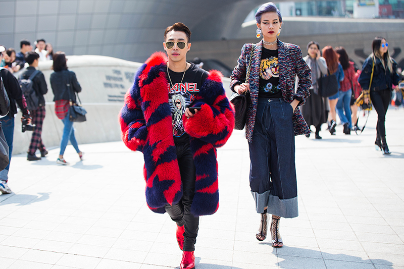 Check Out Which Korean Street Style Trends That K Pop Star Eyedi And Other Fashionistas Like Nc Wong Were Wearing At Seoul Fashion Week Day 2 Her World Singap Seoul Fashion Seoul