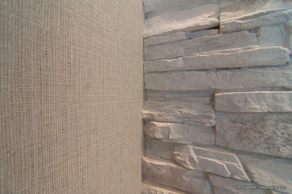 Conjugação de papel e de revestimento de parede