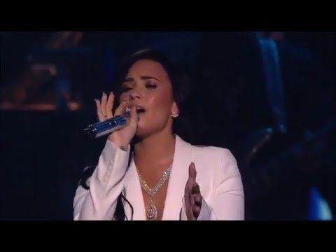 Lionel Richie Tribute Demi Lovato Singing S Hello At The 58th Grammy Grammy Demi Lovato Lionel Richie