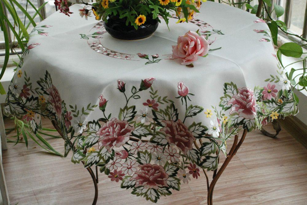 Вышить цветы на вязаном полотне фото