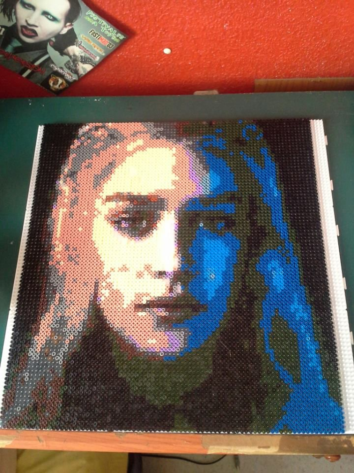 daenerys targaryen portrait hama beads game of thrones by twiggyramirezreznor on deviantart. Black Bedroom Furniture Sets. Home Design Ideas