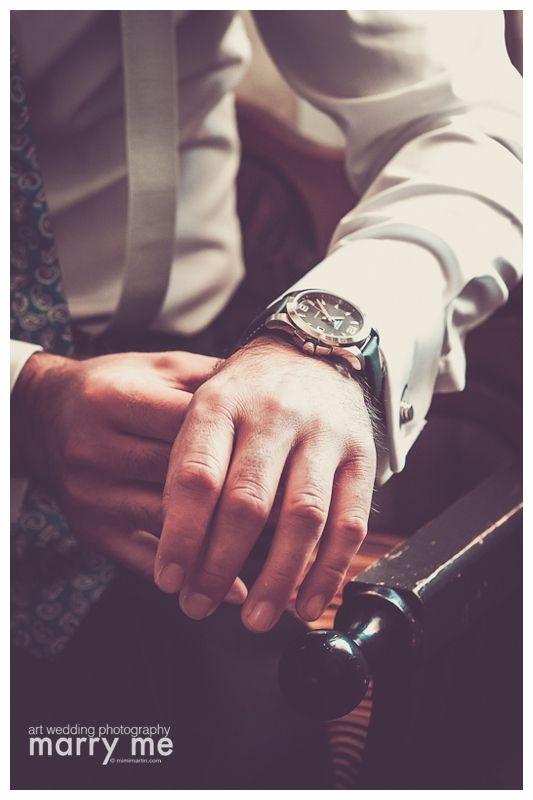 """""""Don't ask me for a minute of my time when you know I can give you my whole life""""_ Paulo Coelho  """"No me pidas un minuto de mi tiempo cuando sabes que te puedo dedicar mi vida entera""""_ Paulo Coelho  #details #weddings #bodas #groom #novio #marry_me #photography #time"""