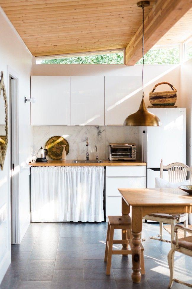 Beautiful and Minimalistic 364 Square Feet Tiny House in California ...