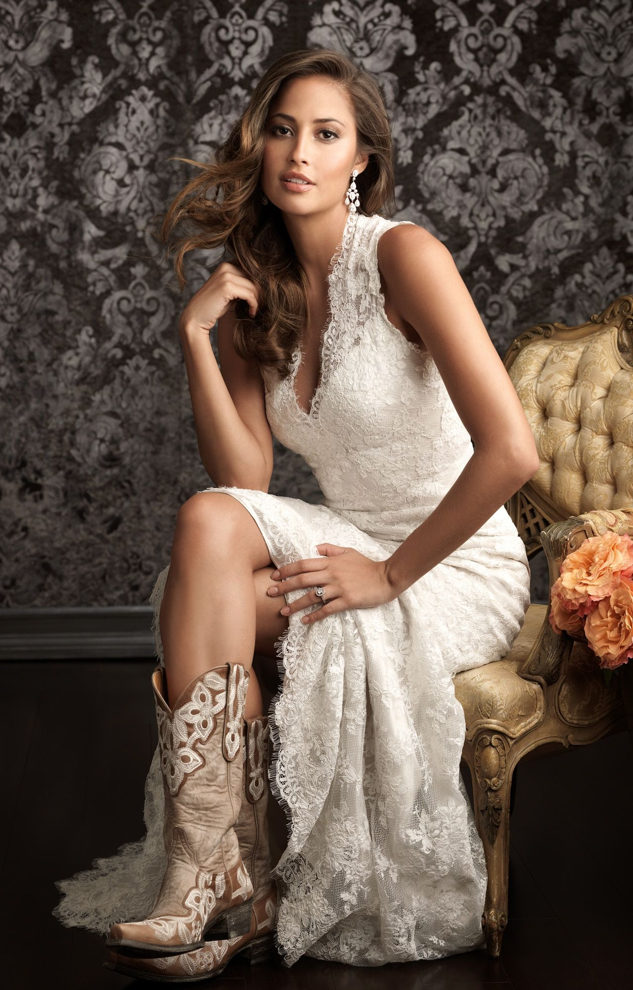 e41dd0579b Cowgirl Wedding Inspiration: Western-Worthy Wedding Dresses ...