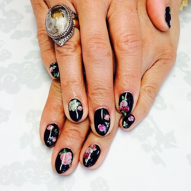 """250 Likes, 9 Comments - Nails, Nail Art & Nail Design (@princesslexiii) on Instagram: """"Bold floral nails for Grace Miguel! Ushers manager!! 😁😁🙈 #nails #naildesign #nailporn #nailart…"""""""