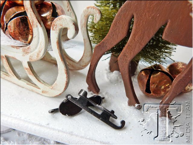 share the joy of the holidays with this dimensional decor project from media team emma williams.  i love the idea of taking a flat die cut shape and turning into a 3-D element.  check out this clev...