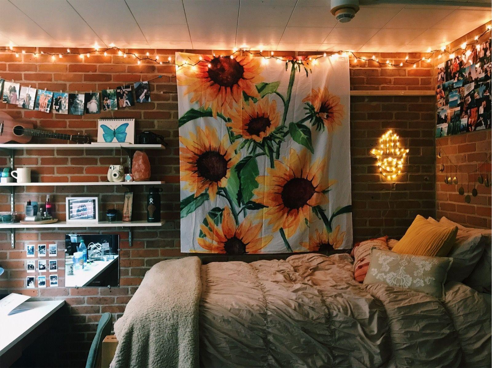 Dorm sweet dorm | Aesthetic bedroom, Room decor