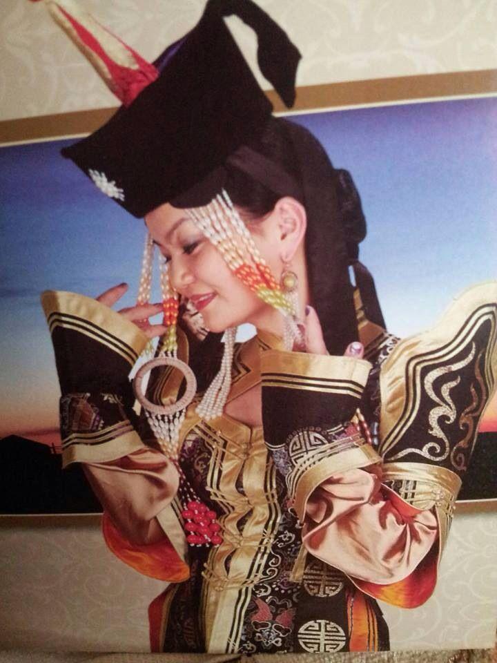 #mongoliansinger #mongolianfashion #duuchinBurmaa #mongolianfolksinger