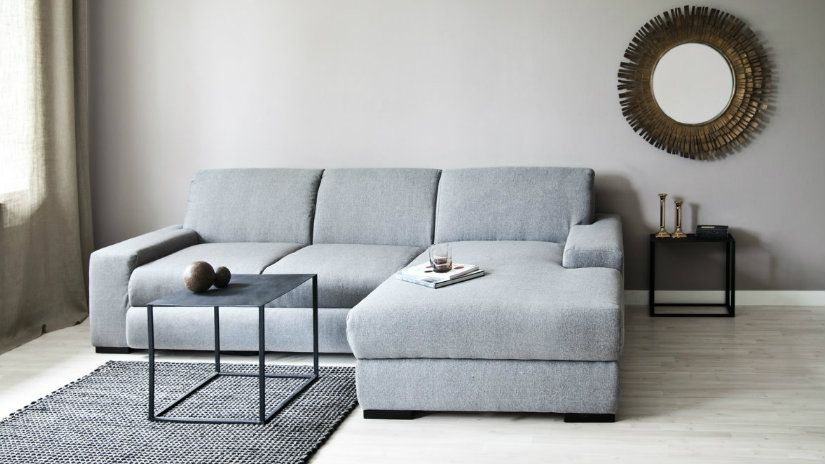 Tuttavia bisogna sempre tenere in considerazione elementi quali la dimensione della stanza, la tipologia del divano, gli elementi presenti del soggiorno e simili. Pin En Divani
