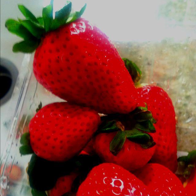 Strawberries and Cream Cake Recipe - M2woman