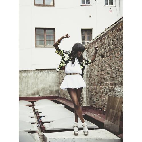 #estilismo #outfit #fresco #verano #juvenil #estampado floral #chaqueta @vallillas