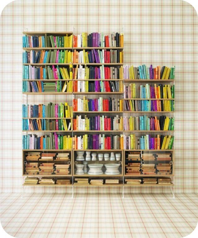Livros coloridos - http://www.portobello.com.br/blog/decoracao/para-os-apaixonados-por-leitura-dicas-de-como-arrumar-os-livros-em-casa/#