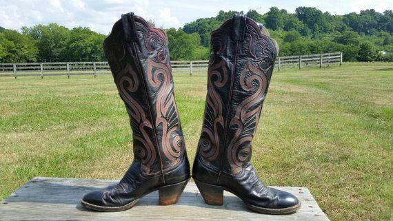 df74a5e2f91 Larry Mahan Black Vintage Cowboy Boots size 4B | closet | Boots ...