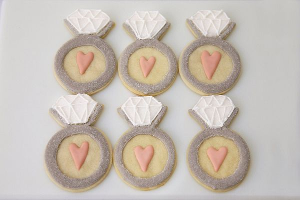 cute engagement ring cookies {for a bachelorette party!}