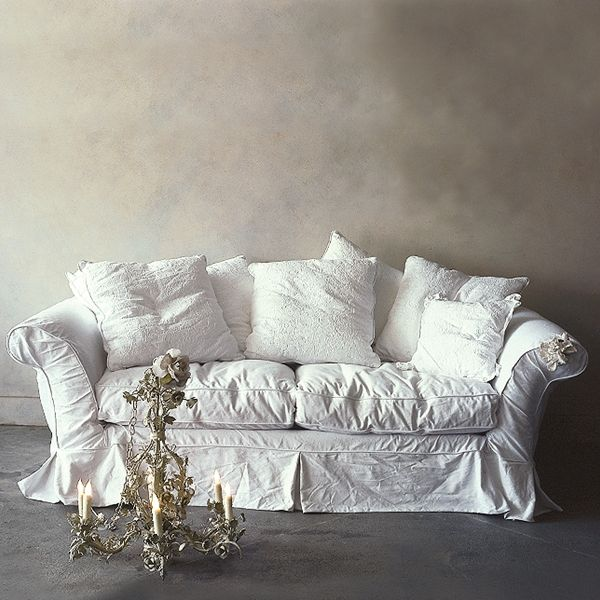 White Sofa With Slipcover Shabby Chic Feminine Elegance
