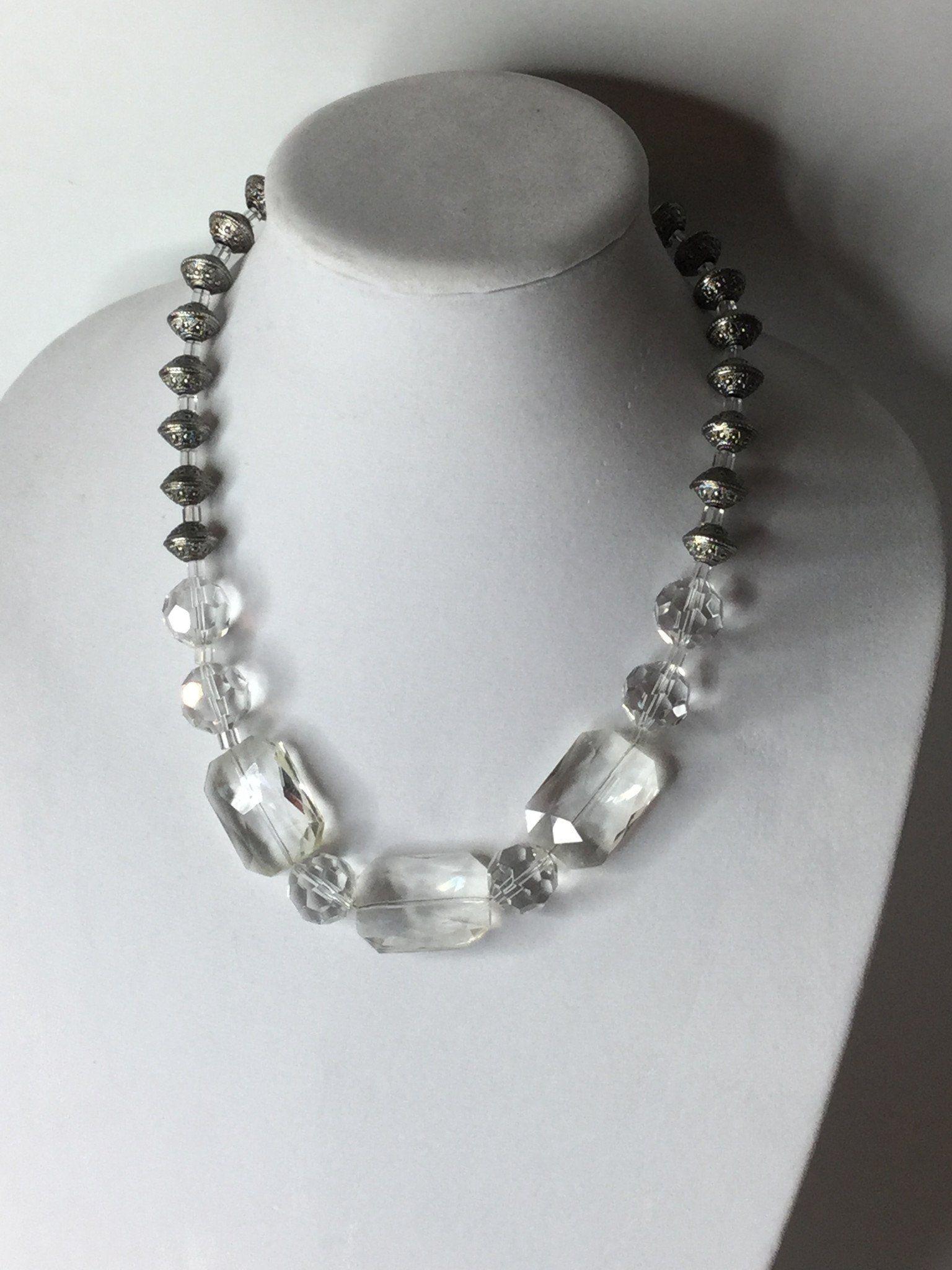 Watch Elegant And Trendy DIY Statement Necklace video
