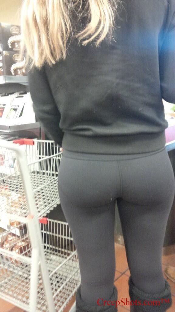 Teen pussy ass up close