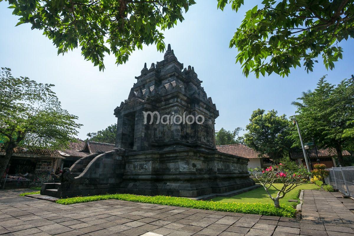Candi Pawon Terletak Di Desa Borobudur Kecamatan Borobudur Kabupaten Magelang Provinsi Jawa Tengah Dan Selesai Di Pugar Pada Tahun 1904 Benedi Pawon Ta