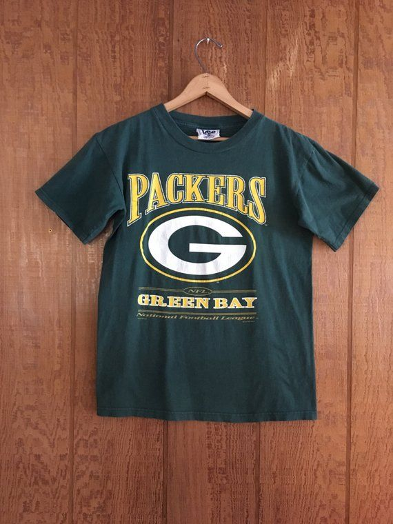5a06087392b Vintage 90s Green Bay Packers t shirt NFL by LEE size M L in 2019 ...