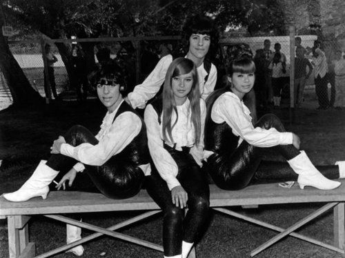This stunning photo canvas of the band The Shangri-Las is one of the very rare pics of the band and makes a wonderful gift for a collector or any fan. #theshangrilas #collectibles #r&b