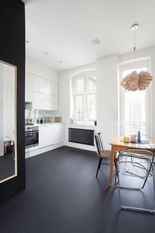 Minimal Apartment in Poland   Muebles blancos, Cocinas abiertas y Carbón
