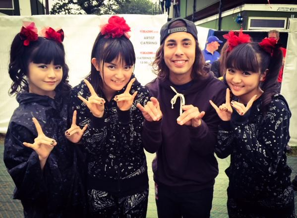 Babymetal and vic fuentes from pierce the veil m metal m babymetal and vic fuentes from pierce the veil m4hsunfo