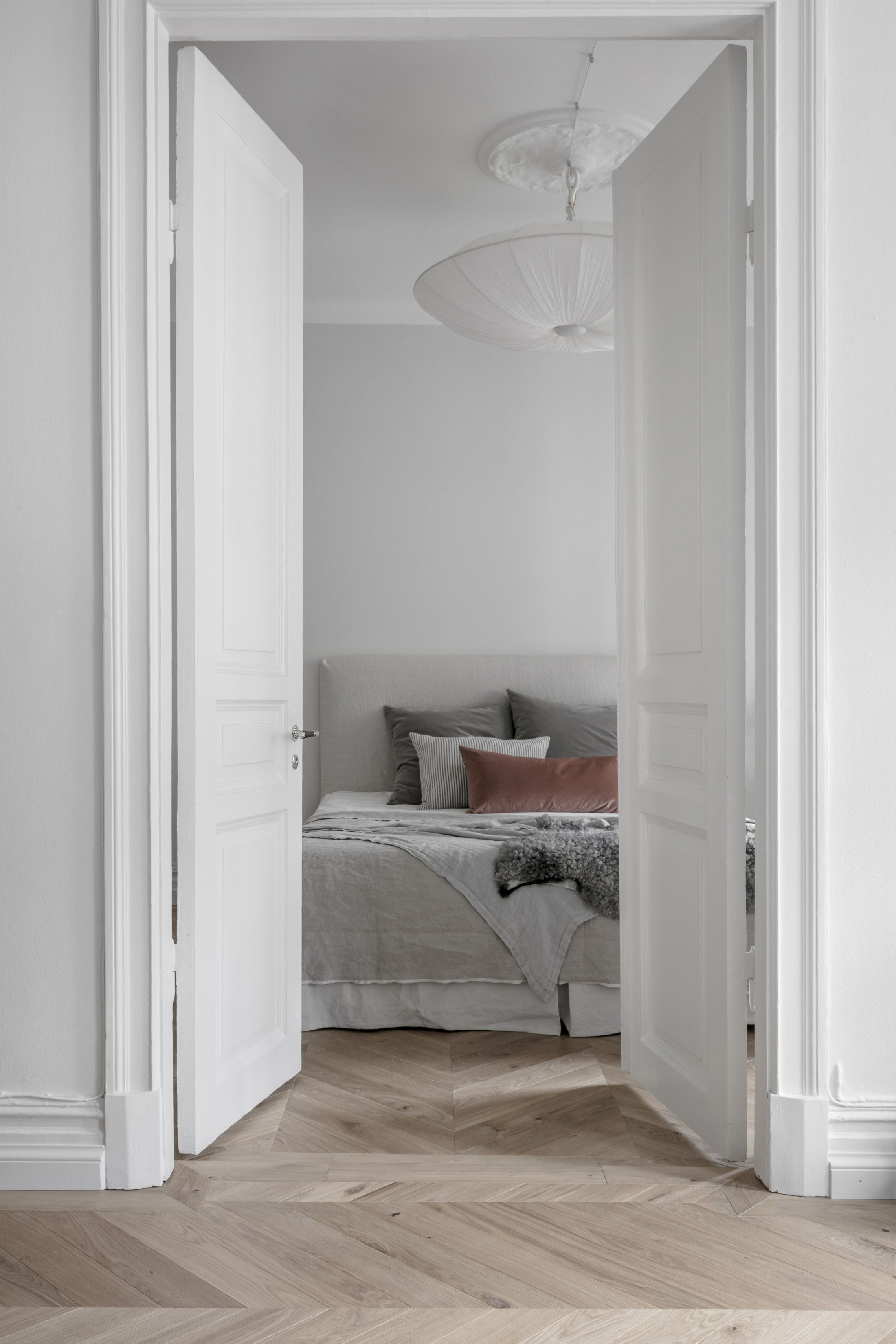Beautifully decorated apartment via coco lapine design blog