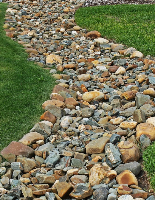 How to Build a Dry Creek Bed Dry creek bed