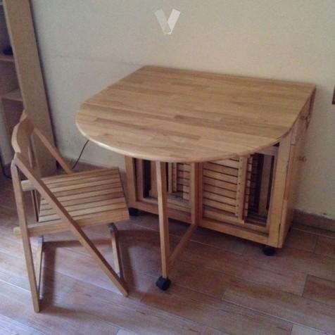 Mesa plegable de madera decoraci n for Mesa plegable sillas incorporadas